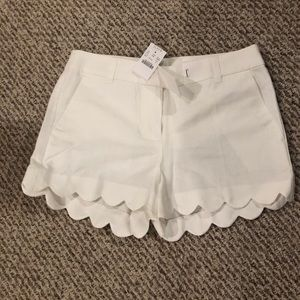 *NEW WITH TAGS* J. Crew white scallop hem shorts